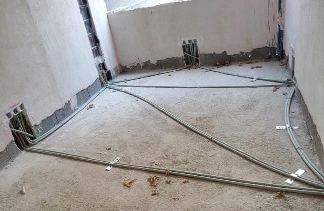 لوله گذاری در کف ساختمان