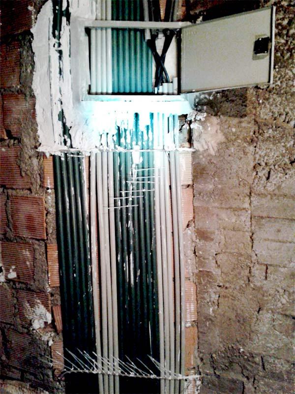 رایزر برق ساختمان